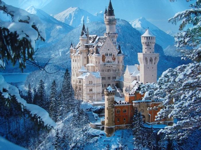Neuschwanstein Castle Germany f4820