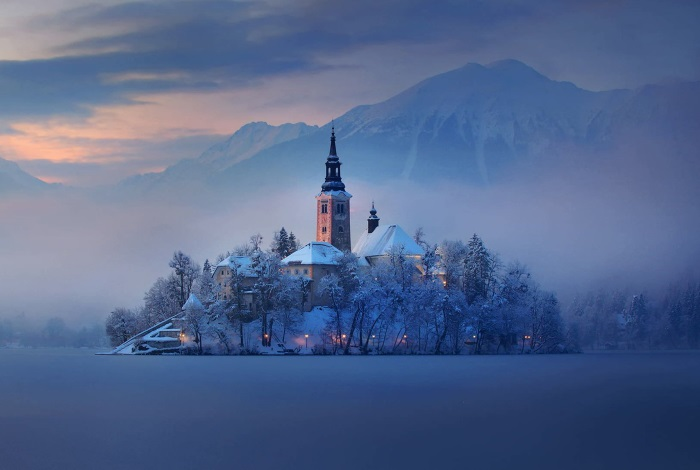 church of the assumption at winter lake bled slovenia holiday venues 7 e10fa