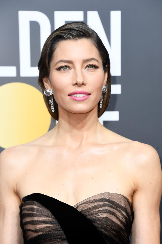 jessica biel grey hair golden globes 2018 2