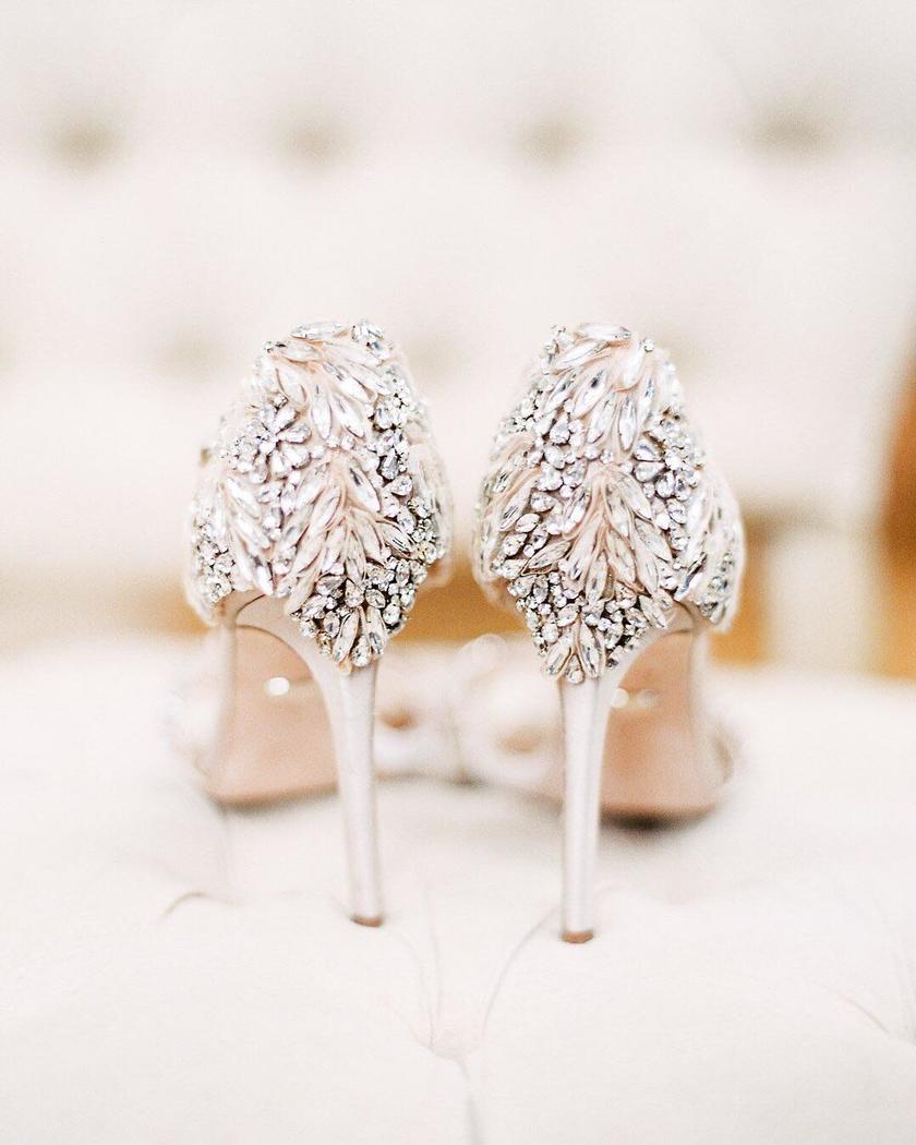 c93ca3b2470 Το στυλ παπουτσιού που πρέπει να αποφύγεις στον γάμο σου (και τι να ...